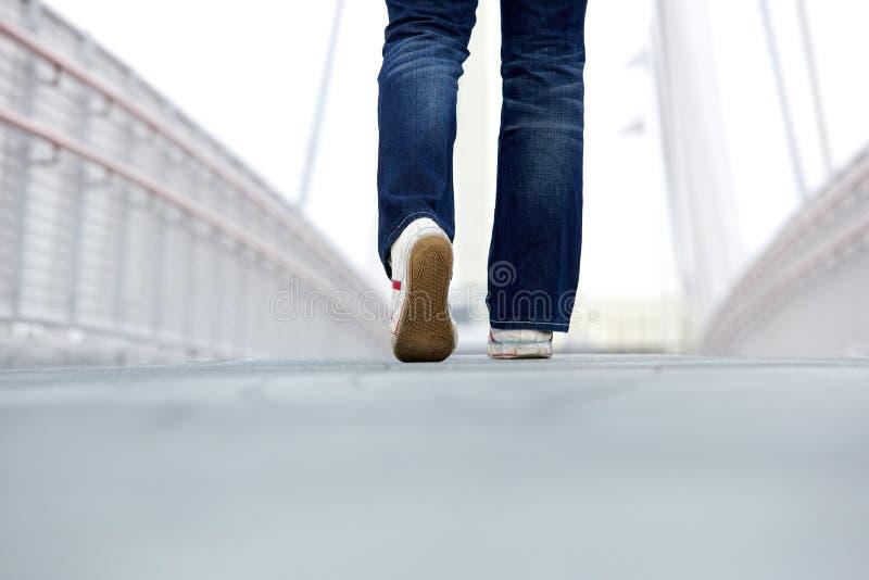 Να περπατήσει μόνο υπαίθρια στοκ εικόνες με δικαίωμα ελεύθερης χρήσης