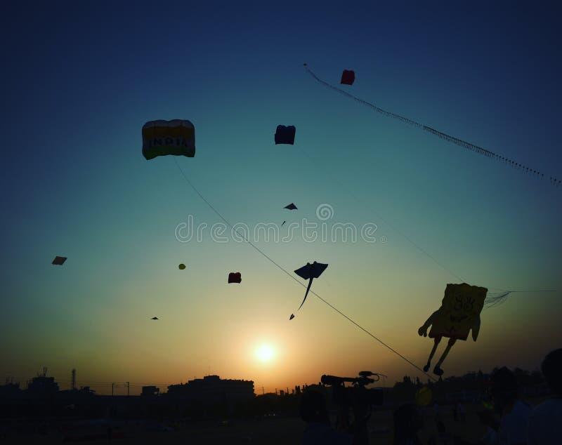 Να πετάξει στα ύψη επάνω ο ουρανός στοκ εικόνες με δικαίωμα ελεύθερης χρήσης