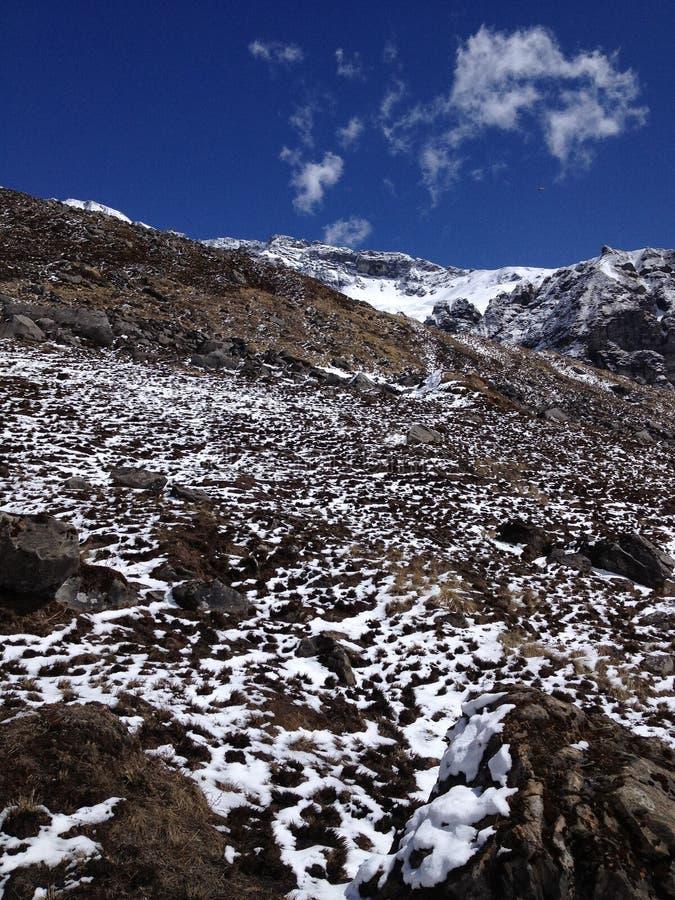 Να πραγματοποιήσει οδοιπορικό στο στρατόπεδο βάσεων Annapurna - Νεπάλ στοκ φωτογραφίες με δικαίωμα ελεύθερης χρήσης