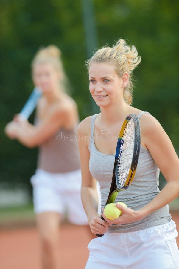 Να προετοιμαστεί για την υπηρεσία αντισφαίρισης στοκ φωτογραφίες με δικαίωμα ελεύθερης χρήσης