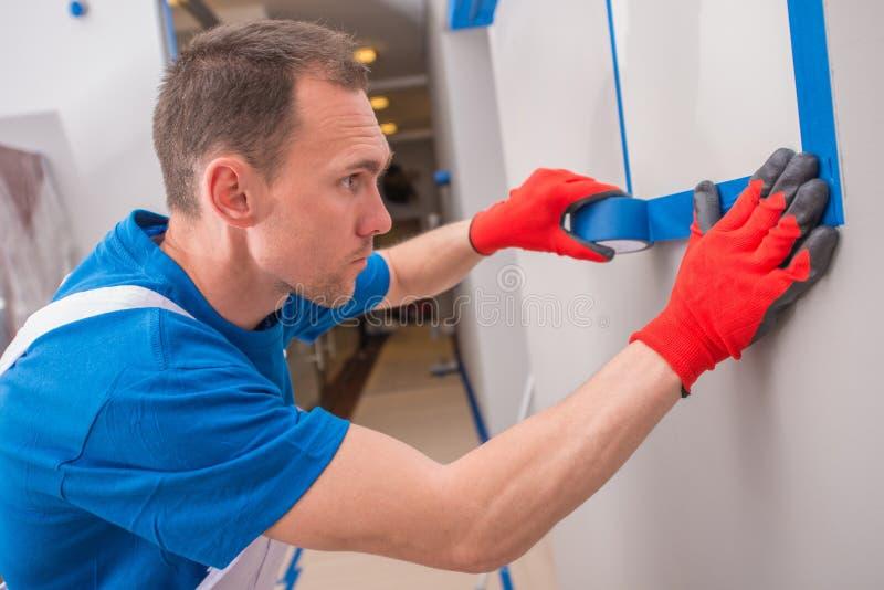 Να προετοιμαστεί για τη ζωγραφική δωματίων στοκ φωτογραφία με δικαίωμα ελεύθερης χρήσης