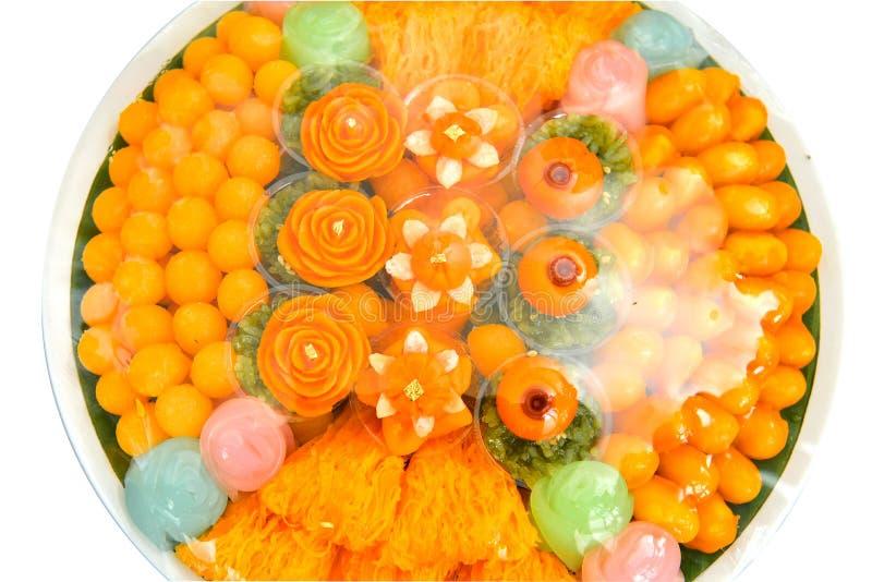 Να σέβεσαι τον Ναό και την παραδοσιακή προσφορά στην Ταϊλάνδη, φαγητό, φρούτα στοκ εικόνες