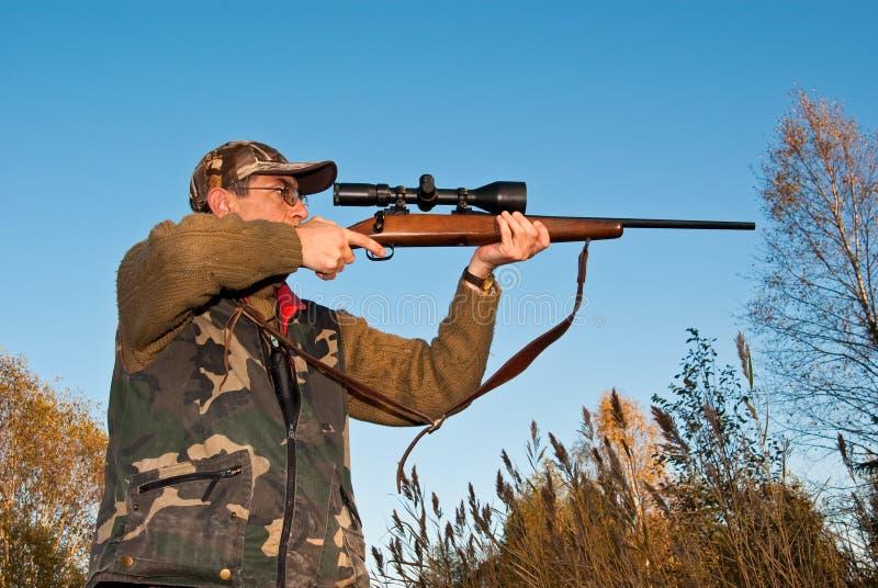 να στοχεύσει τον κυνηγό στοκ φωτογραφία με δικαίωμα ελεύθερης χρήσης