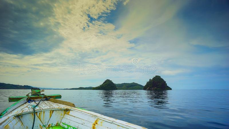 Να ταξιδεψει στον κόλπο mandeh στοκ εικόνα