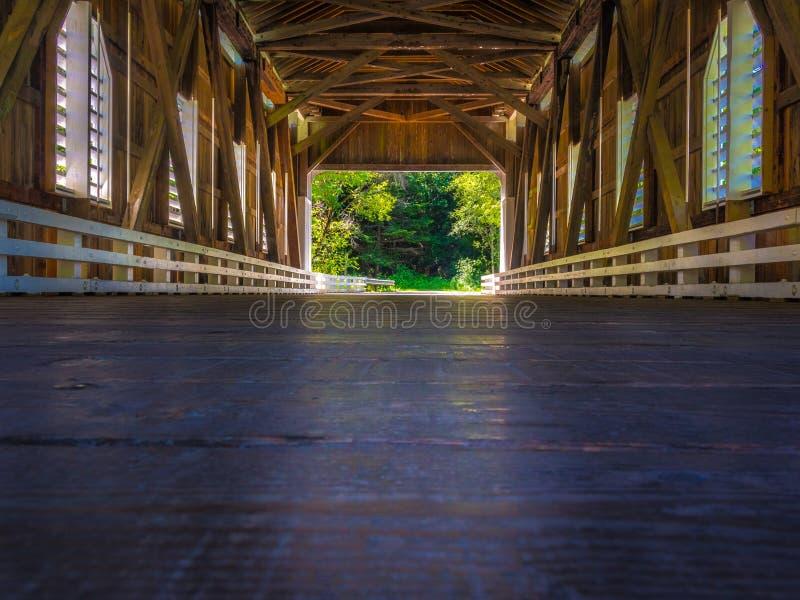 Να φανεί έξω η γέφυρα Dorena στοκ εικόνες