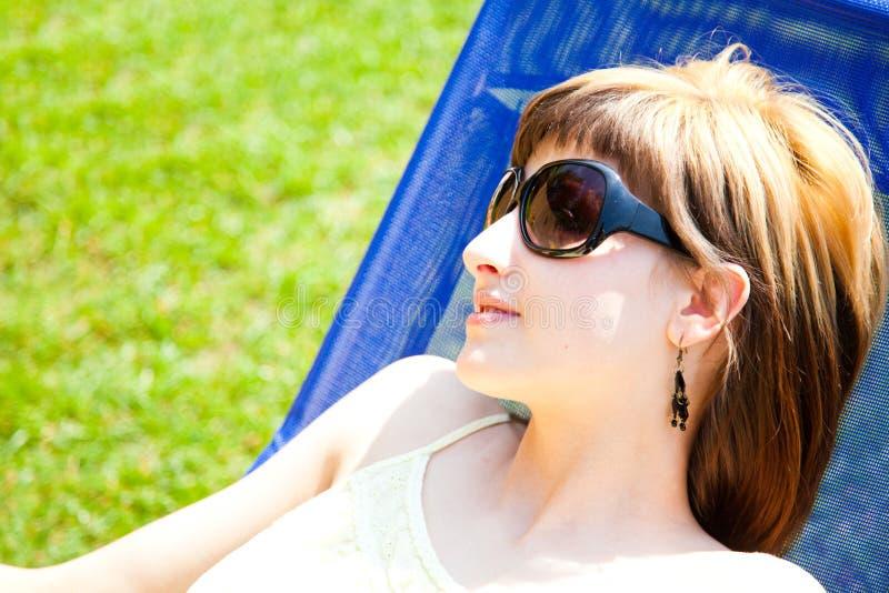 Να χαλαρώσει στον ήλιο στοκ εικόνες