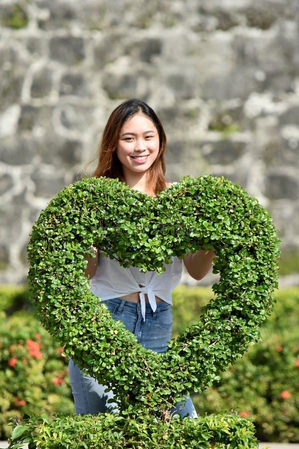 Νεανικός διαφορετικός θηλυκός ερωτευμένος στοκ φωτογραφία με δικαίωμα ελεύθερης χρήσης