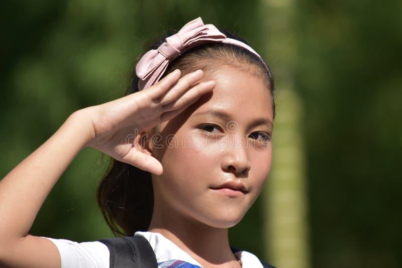 Νεανικός διαφορετικός χαιρετισμός γυναικών σπουδαστών στοκ εικόνα