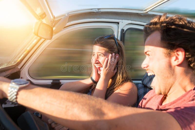 Νεαρός άνδρας που οδηγεί γρήγορα στοκ φωτογραφία με δικαίωμα ελεύθερης χρήσης