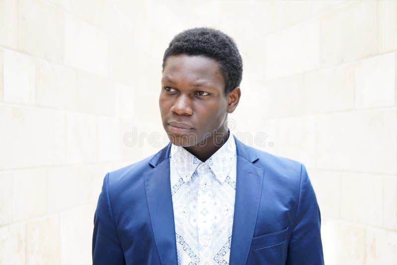 Νεαρός άνδρας του αφρικανικής καταγωγής στοκ εικόνα με δικαίωμα ελεύθερης χρήσης