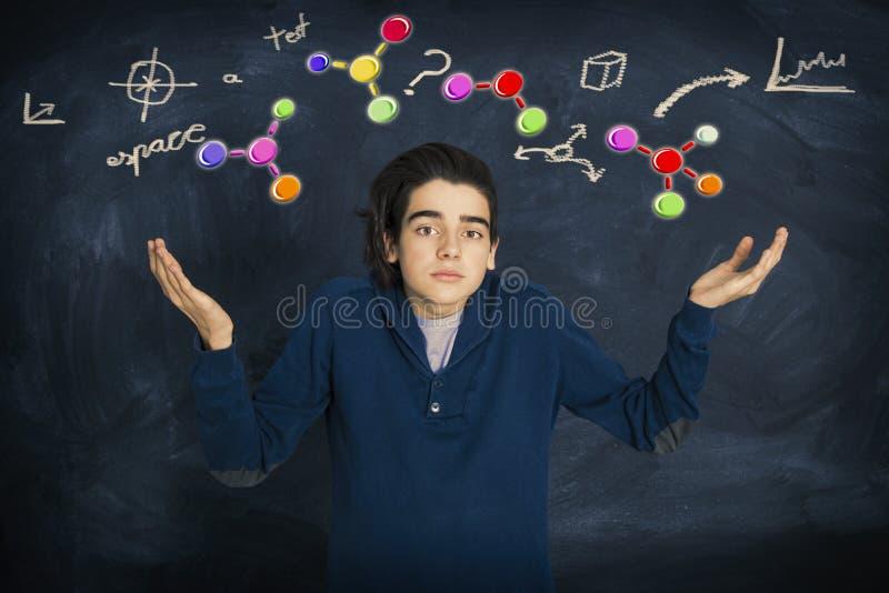 Νεαρό άτομο με την έκφραση των προβλημάτων στοκ φωτογραφία