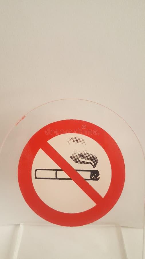 νεκρή απαγόρευση του καπνίσματος στοκ φωτογραφία
