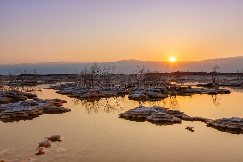 Νεκρή φύση τοπίων νερού πρωινού ανατολής του Ισραήλ θάλασσας στοκ φωτογραφία με δικαίωμα ελεύθερης χρήσης