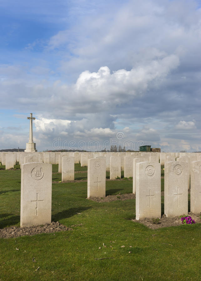 Νεκροταφείο εξοχικών σπιτιών βάρδων σε Ypres, Φλαμανδική περιοχή, Βέλγιο - πορτρέτο. στοκ φωτογραφία με δικαίωμα ελεύθερης χρήσης
