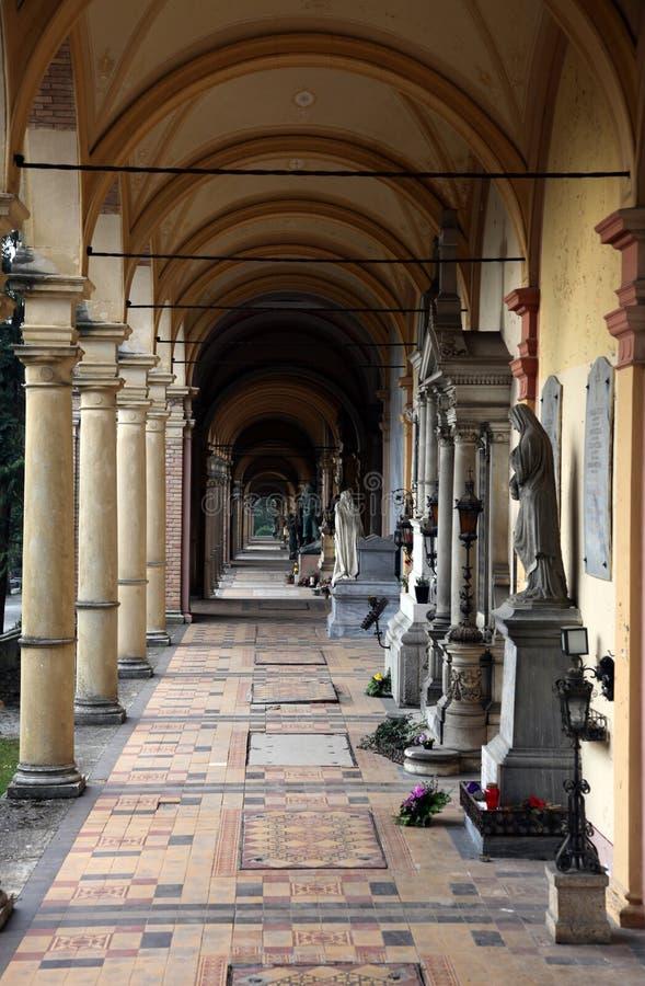 Νεκροταφείο Mirogoj arcades στο Ζάγκρεμπ στοκ φωτογραφία