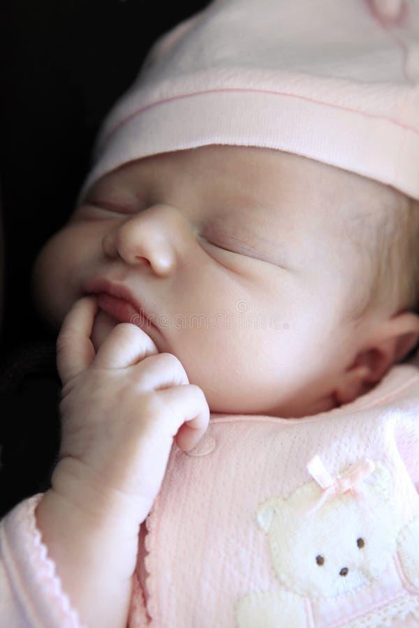 νεογέννητος ύπνος μωρών στοκ εικόνες με δικαίωμα ελεύθερης χρήσης