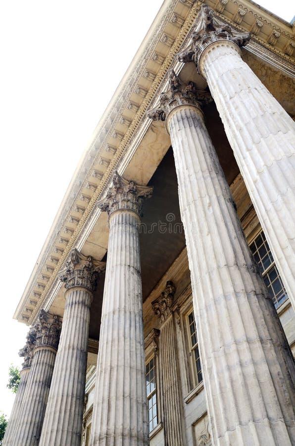 Νεοκλασσική αρχιτεκτονική με τις στήλες στοκ εικόνες