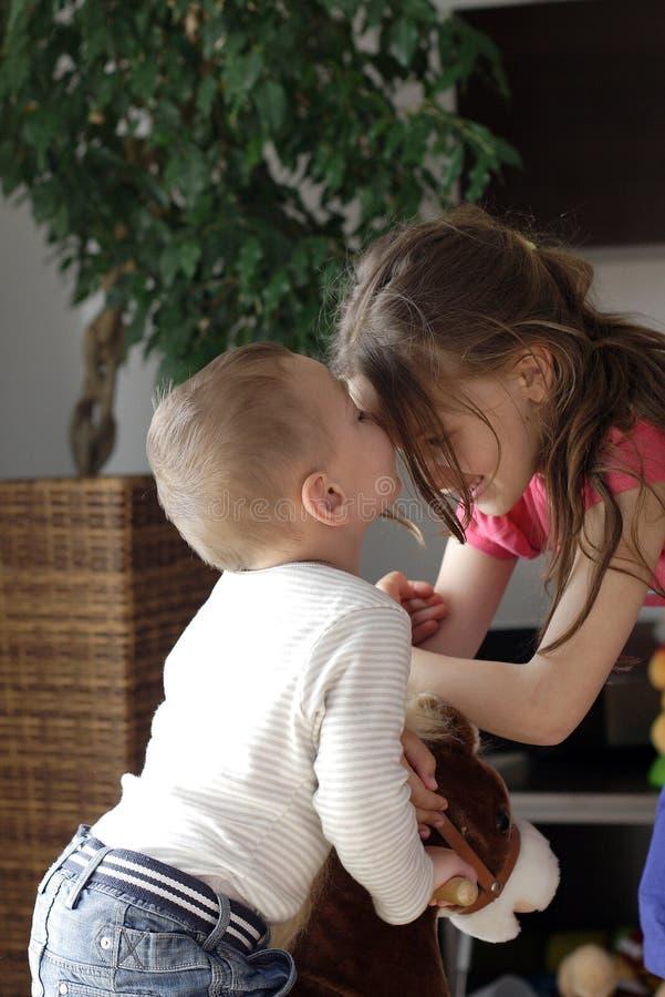 νεολαίες αγάπης στοκ φωτογραφία με δικαίωμα ελεύθερης χρήσης