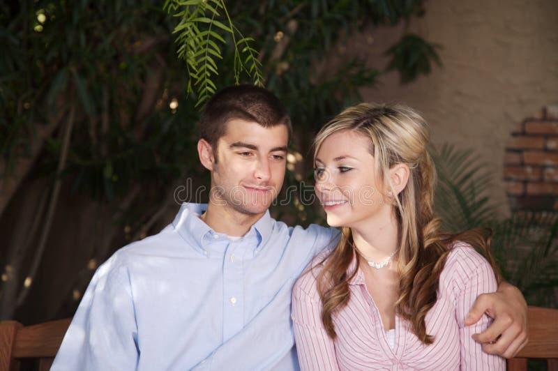 νεολαίες αγάπης στοκ φωτογραφίες