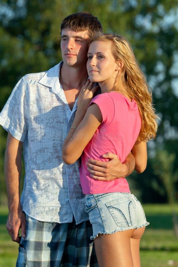 νεολαίες ανθρώπων ζευγώ&n στοκ εικόνες