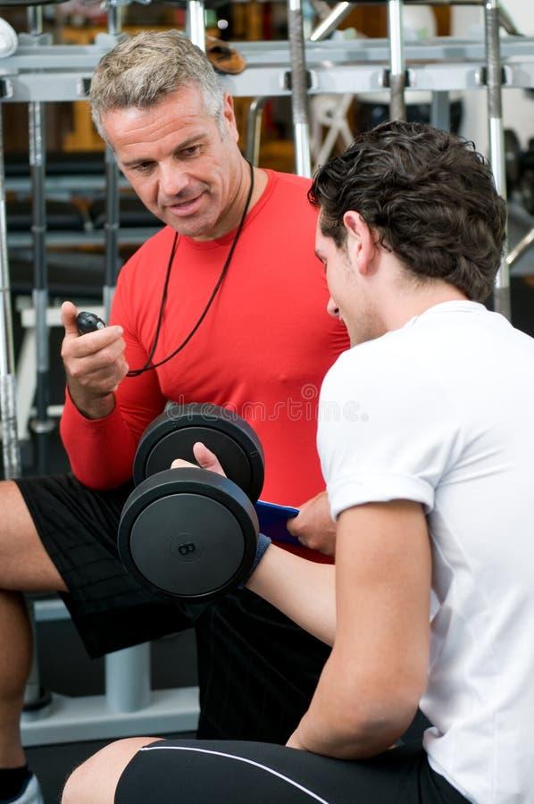 Download νεολαίες ατόμων εκπαιδ&epsi Στοκ Εικόνα - εικόνα από ωριμάστε, bodybuilders: 17052685
