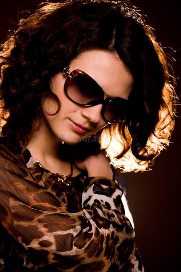νεολαίες γυναικών γυαλιών στοκ εικόνες με δικαίωμα ελεύθερης χρήσης