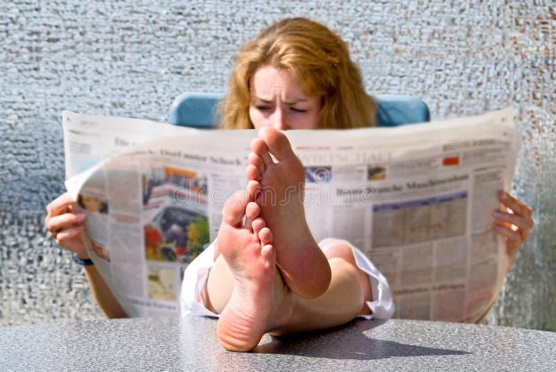 νεολαίες γυναικών εφημ&epsi στοκ φωτογραφία με δικαίωμα ελεύθερης χρήσης