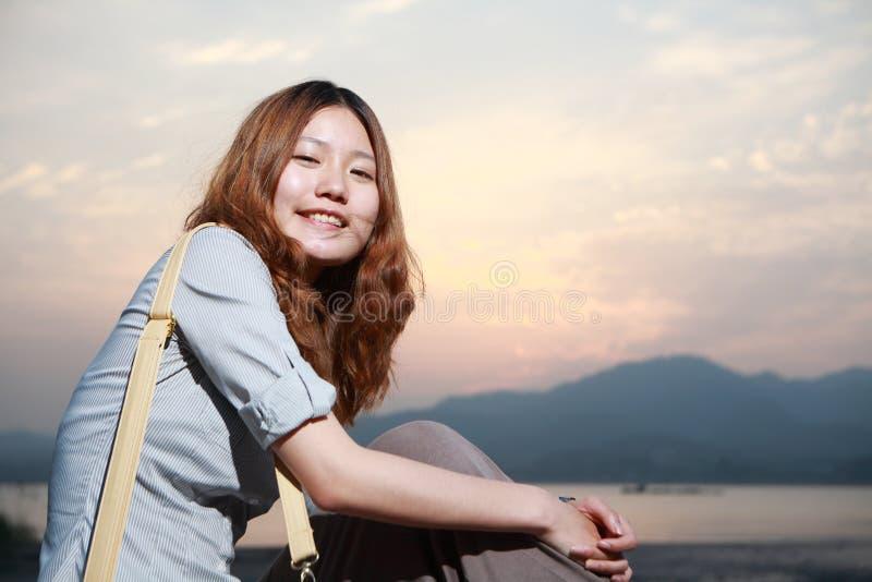 νεολαίες γυναικών ηλιο στοκ εικόνα