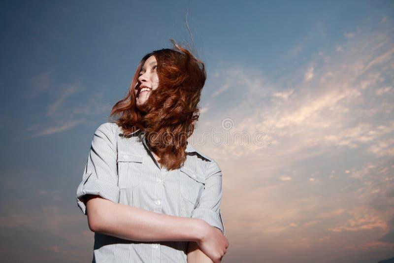 νεολαίες γυναικών ηλιο στοκ φωτογραφίες με δικαίωμα ελεύθερης χρήσης