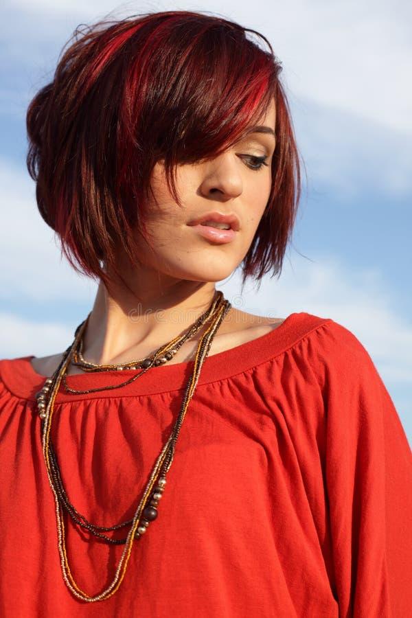 νεολαίες γυναικών μπλε ουρανού στοκ φωτογραφίες με δικαίωμα ελεύθερης χρήσης