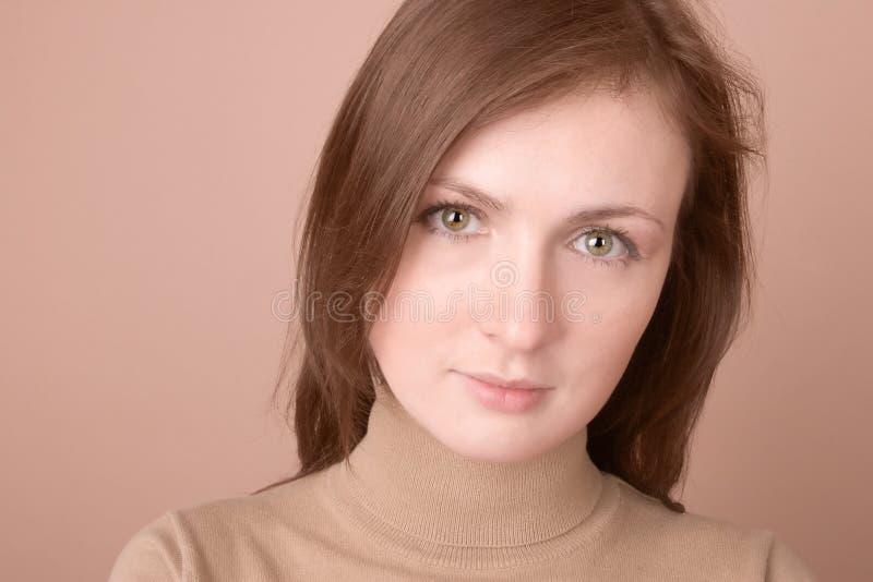 Download νεολαίες γυναικών πορτρέτου Στοκ Εικόνα - εικόνα από μοιχαλίδα, μάτια: 2227463