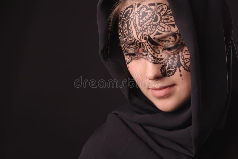 νεολαίες γυναικών tracery προσώπου ομορφιάς στοκ φωτογραφίες με δικαίωμα ελεύθερης χρήσης