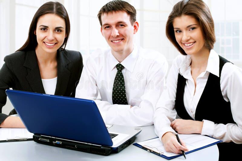 Download νεολαίες επιχειρηματιών στοκ εικόνες. εικόνα από ηλικίας - 22782830