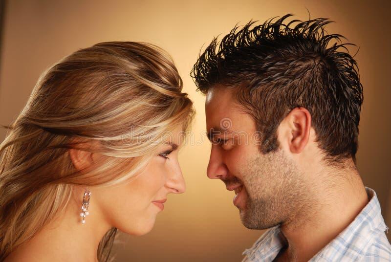νεολαίες ζευγαριού στοκ εικόνα