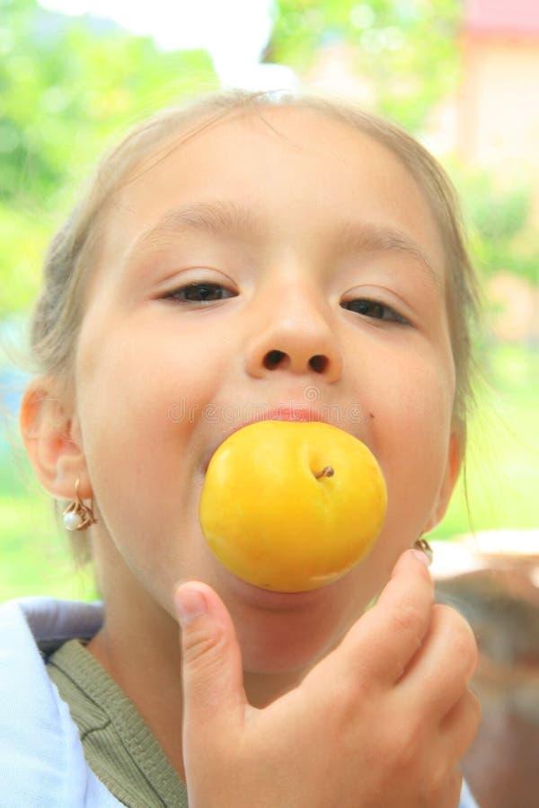 νεολαίες κοριτσιών μήλω&nu στοκ εικόνες