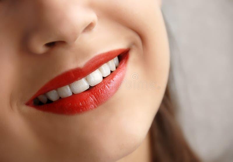 νεολαίες χαμόγελου κ&omicro στοκ εικόνες