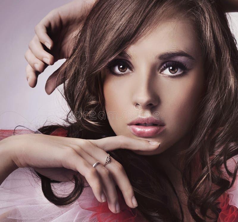 νεολαίες brunette στοκ φωτογραφίες με δικαίωμα ελεύθερης χρήσης