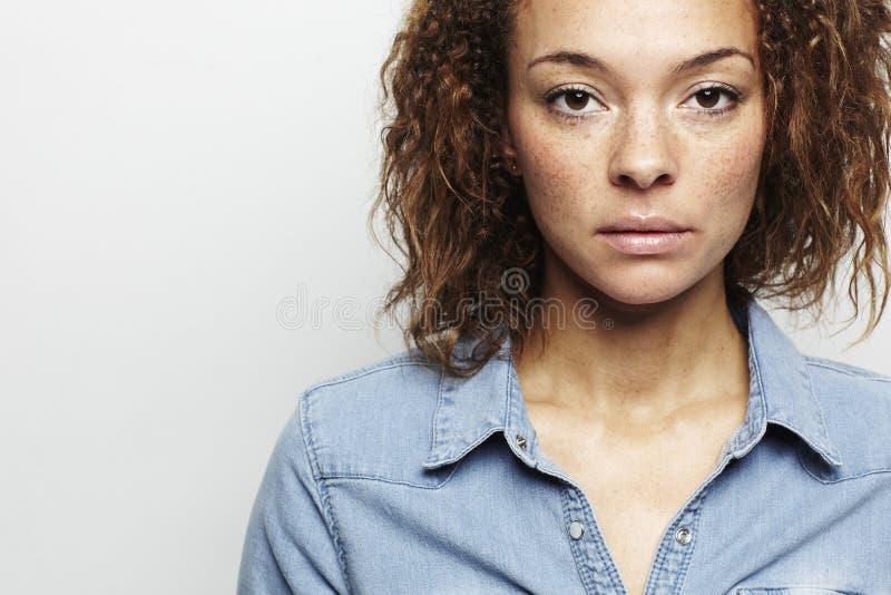 νεολαίες γυναικών στούν&t Στοκ Εικόνες
