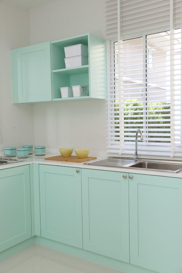 Νεροχύτης και σόμπα κουζινών στοκ φωτογραφίες