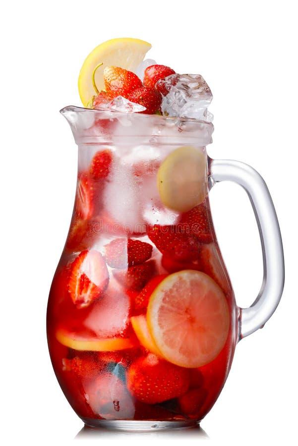 Νερό φραουλών detox στοκ εικόνες