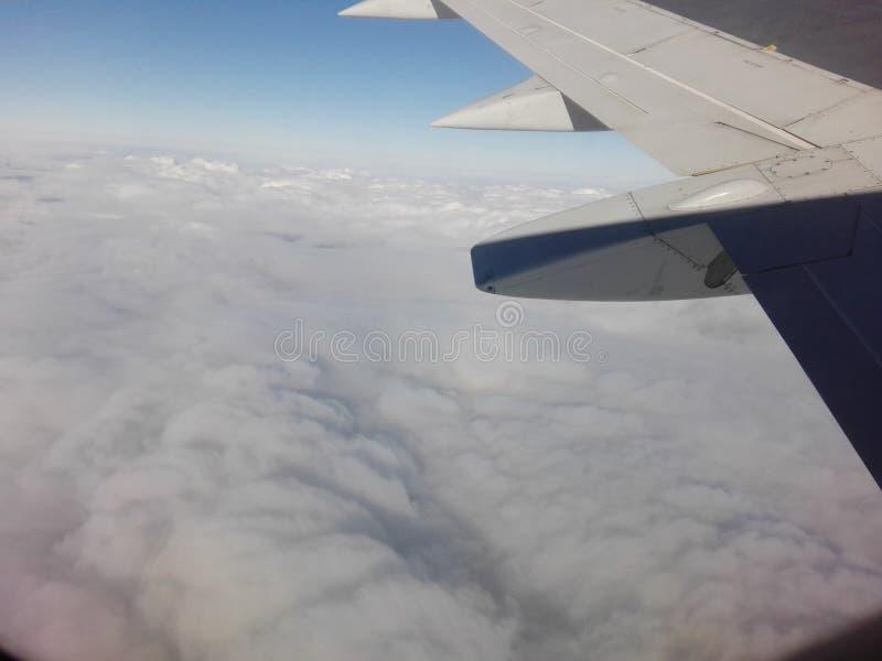 Νεφελώδες αεροπλάνο στοκ εικόνες με δικαίωμα ελεύθερης χρήσης