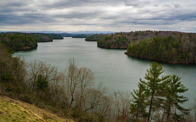 Νεφελώδης άποψη της λίμνης Philpott στοκ φωτογραφία