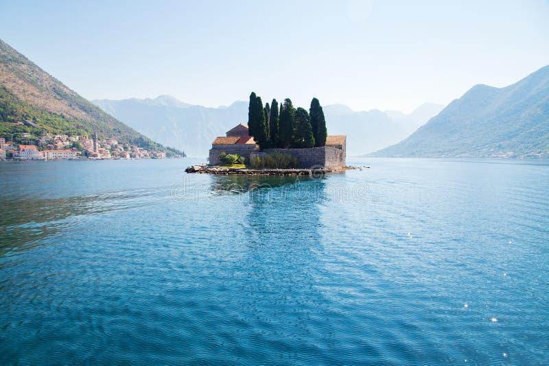 Νησί Αγίου George στον κόλπο Kotor στοκ εικόνα