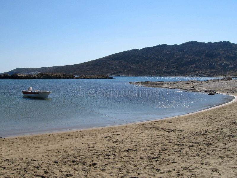 νησί βαρκών παραλιών στοκ εικόνες