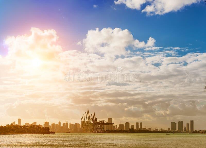 Νησί τεχνάσματος και στο κέντρο της πόλης Μαϊάμι, ΛΦ στοκ φωτογραφία με δικαίωμα ελεύθερης χρήσης