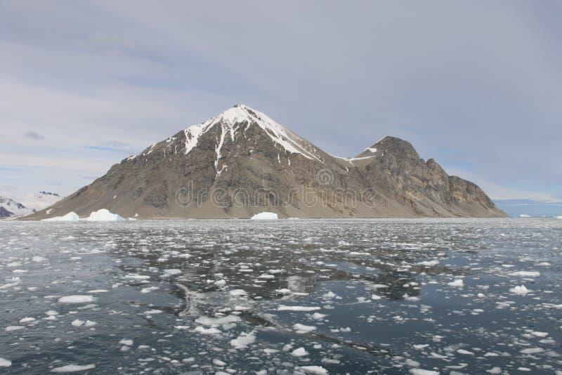 Download νησί της Ανταρκτικής απομ&alpha Στοκ Εικόνες - εικόνα από azov, χαρασμένος: 13176318