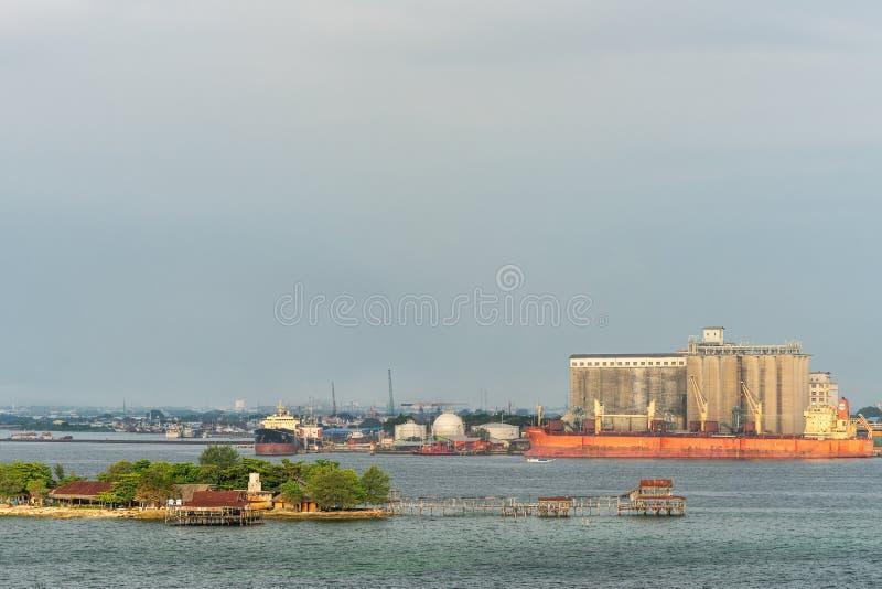 Νησί Khayangan Pulau μπροστά από Makassar το λιμένα, νότος Sulawesi, Ινδονησία στοκ εικόνα