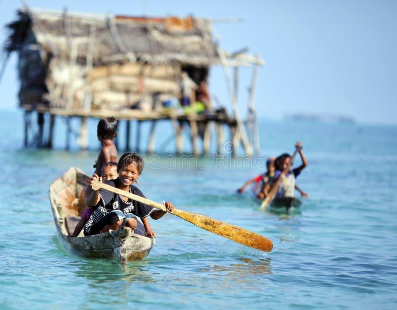 ΝΗΣΊ MABUL, ΜΑΛΑΙΣΊΑ - 20 Σεπτεμβρίου 2012: Μη αναγνωρισμένη θάλασσα Β στοκ εικόνα με δικαίωμα ελεύθερης χρήσης