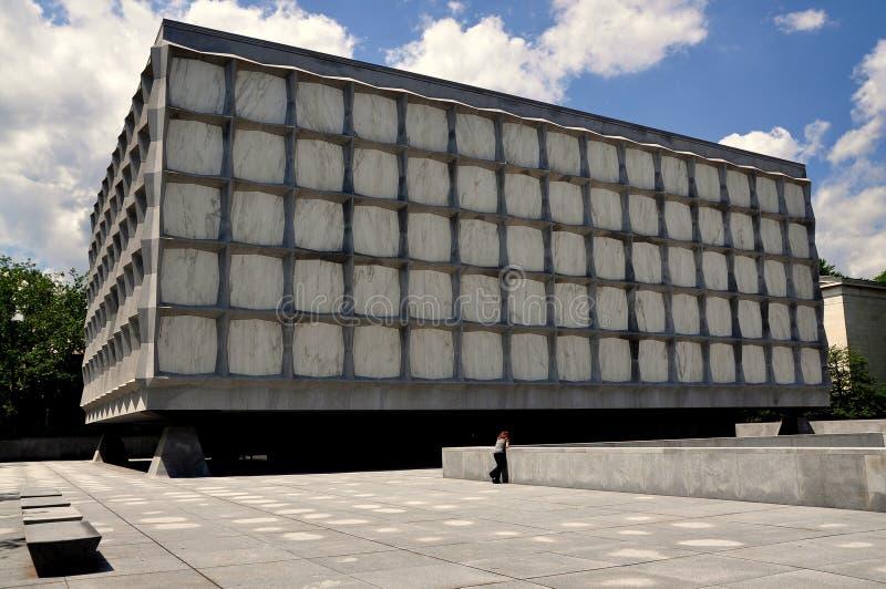 Νιού Χάβεν, CT: Βιβλιοθήκη Beinecke στο πανεπιστήμιο Γέιλ στοκ εικόνα