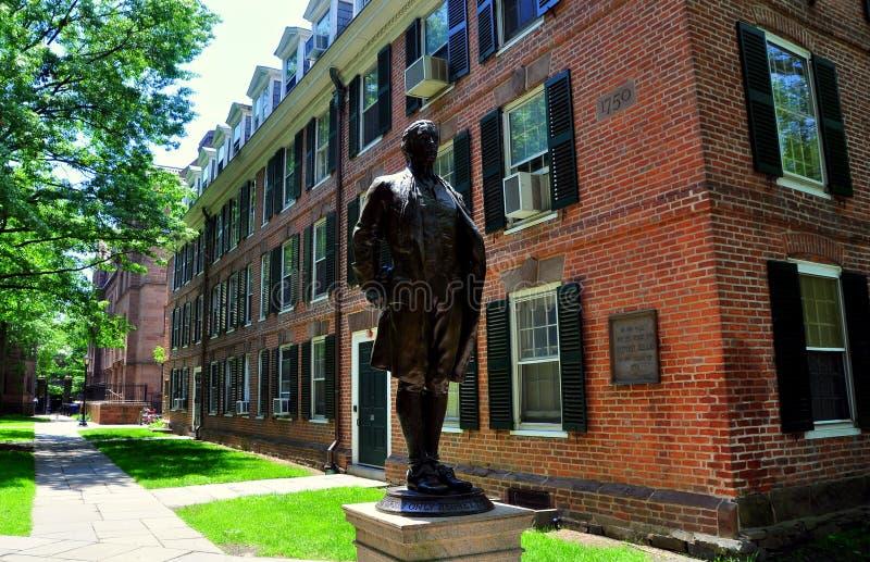 Νιού Χάβεν, CT: Υγιές άγαλμα του Nathan στο πανεπιστήμιο Γέιλ στοκ εικόνες